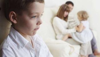 Όταν το νέο μέλος της οικογένειας δυσκολεύει το πρώτο παιδί