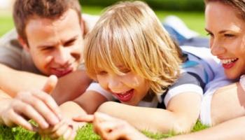 5 τρόποι για να διδάξετε τα παιδιά σας να ζούνε απλά