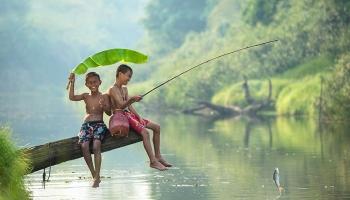 Παιδιά παίζουν σε όλον τον κόσμο - Φωτογραφίες